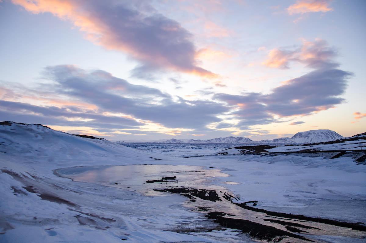panorama lago ghiacciato islanda